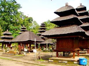 Batukaru-Temple-1