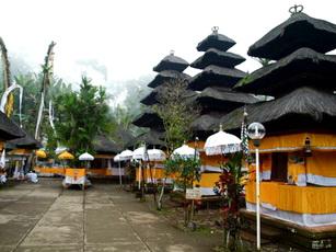 Batukaru-Temple-2