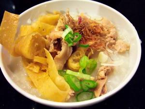 Bubur_ayam_chicken_porridge