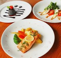 mozzarella - set dinner salmon steak