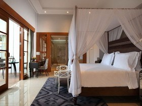 the-samaya-seminyak-pool-villa-bedroom