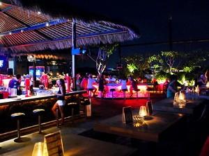 sky-garden-rooftop-lounge