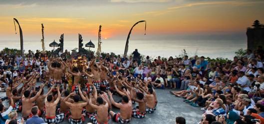uluwatu-kecak-dance1-e1446428591555