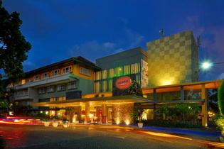 03.HARRIS Resort Kuta Beach_lobby_519