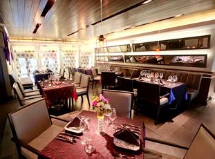 12. L Hotel Seminyak - Lola Restaurant