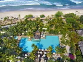 Main-swimming-Pool-Beach-View