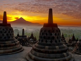 Foto-1-Sunrise-Di-Candi-Borobudur