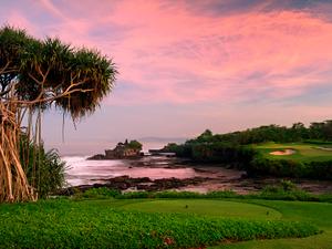 7th-tee-shot-at-Nirwana-Bali-Golf-Club-at-Pan-Pacific-Nirwana-Bali-Resort