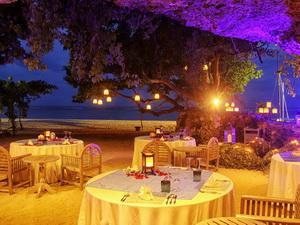Cave Dinner3
