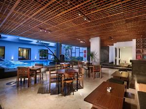 Hotel-Neo-petitinget-Seminyak-Bali-Restaurant