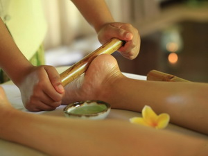 Kayumanis Sanur_Spa_Bamboo Massage