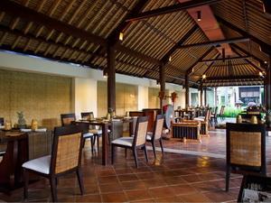 Kayumanis Sanur_gong restaurant