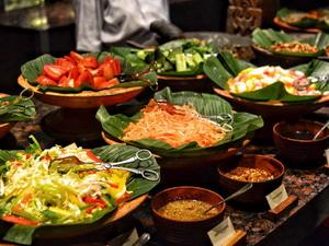 PASAR SENGGOL Grand Hyatt Bali salad 2