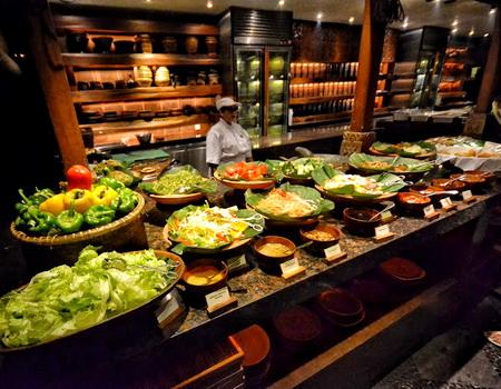 PASAR SENGGOL Grand Hyatt Bali salad